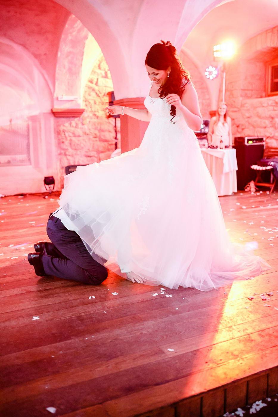 Strumpfband Hochzeit werfen