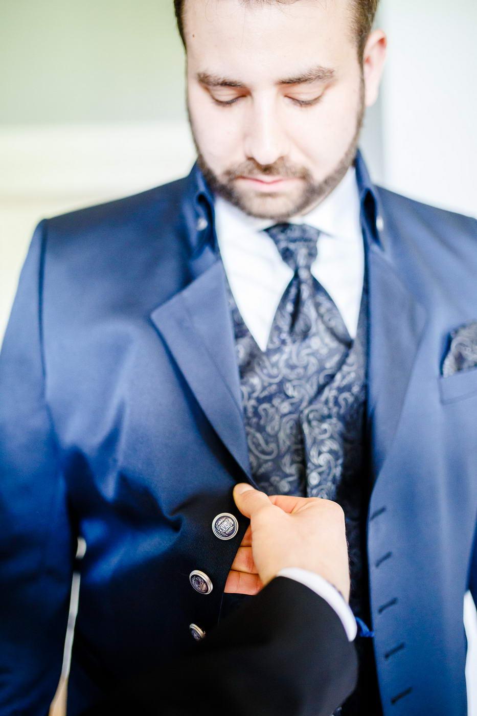 Anzug Bräutigam Vorbereitungen