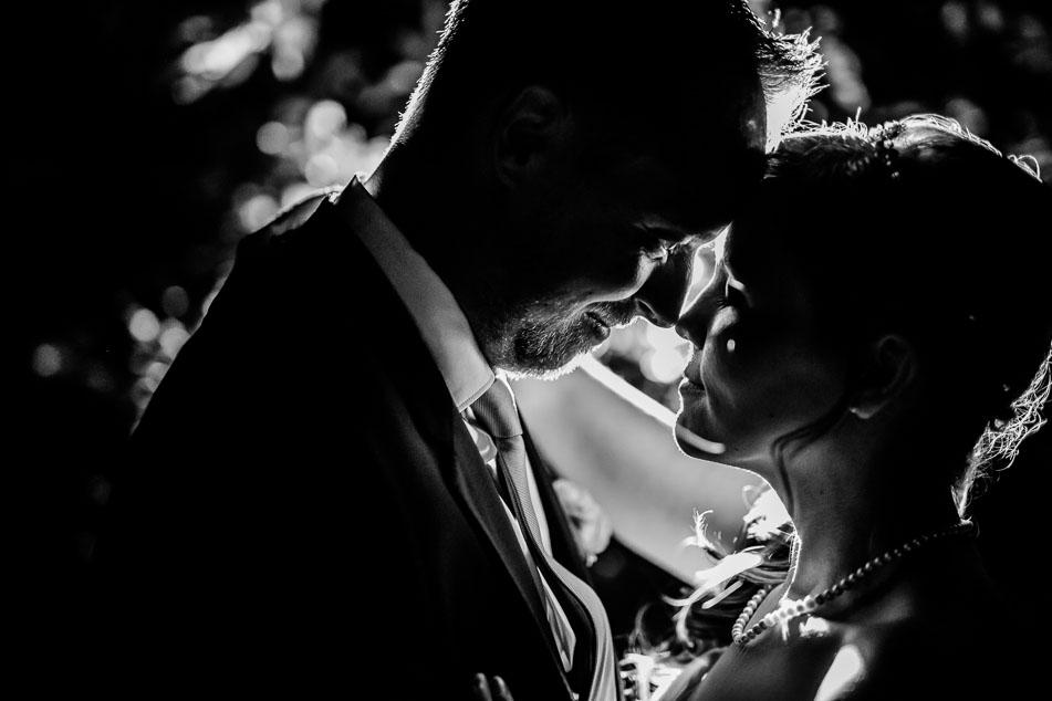 emotionale Paarfotografie Hochzeit Bilder Frau Mann Haare